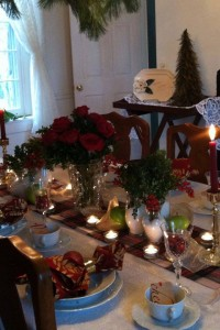 dinner table decorated with christmas decor for holiday events combsberry inn