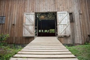 entrance into barn from walkway